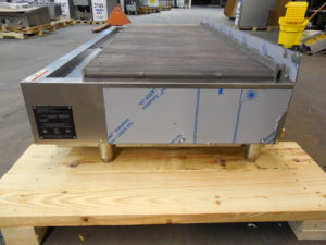 3156 Wolf ACB60 charbroiler (4)
