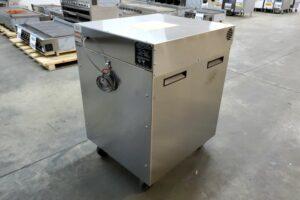3302 Vulcan VBP7 Warming Cabinet (7)