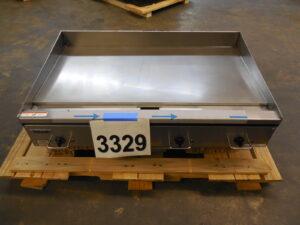 3329.01 Vulcan RRE48-3 Griddle (1)