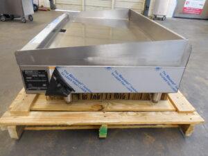 3329.01 Vulcan RRE48-3 Griddle (5)