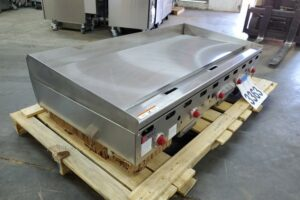 3363 Wolf ASA60-101 griddle (6)