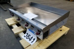 3641 Wolf AGM48-101 griddle (3)