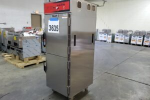 3635 Vulcan VCH16 Cook and Hold Cabinet (1)