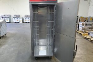 3635 Vulcan VCH16 Cook and Hold Cabinet (9)
