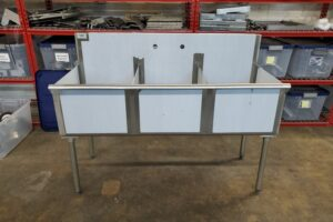 3 bay stainless commercial sink (2)