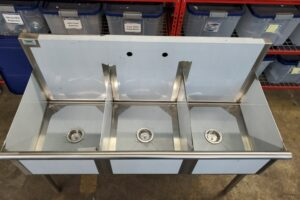 3 bay stainless commercial sink (3)