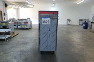 3829 Vulcan VPT15 warming cabinet (2)